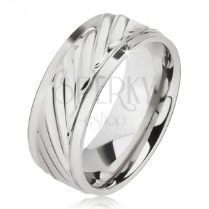 Lesklý prsten z oceli - obroučka se šikmými rýhami, snížené okraje