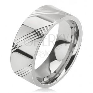 Prsten z chirurgické oceli - lesklá obroučka na prst, čtyři šikmé rýhy v úsecích