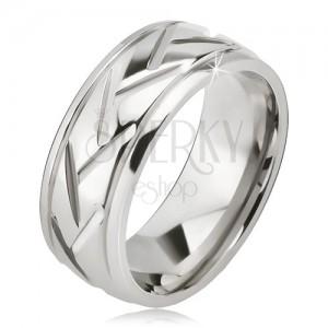 Stříbrný prsten z oceli, šikmé linie a vodorovné zářezy