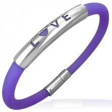Pryžový náramek ve fialovém odstínu - kovová známka s nápisem LOVE