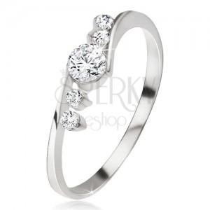 Stříbrný prsten 925, čirý zirkon, dva kamínky vedle ramen