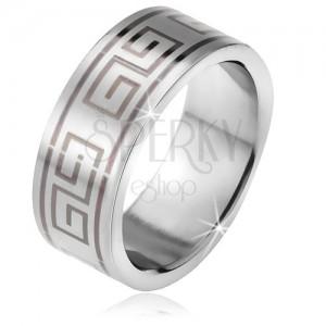 Prsten z oceli, matný rovný povrch, černý motiv řeckého klíče