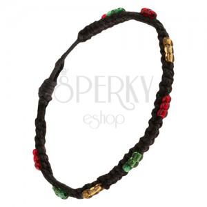 Náramek pletený z černých šňůrek, barevné korálkové čárky