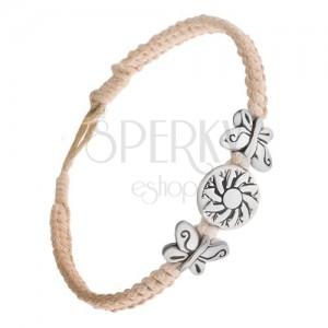 Pletený béžový náramek ze šňůrek, kruhová známka s květem, motýli