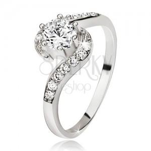 Stříbrný prsten 925, zvlněná zirkonová ramena, kulatý čirý kamínek