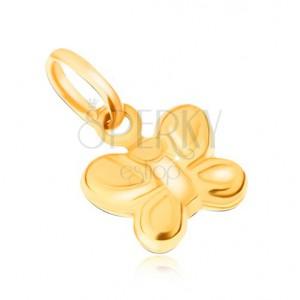 Přívěsek ze žlutého 9K zlata - blyštivý, ozdobně rýhovaný motýl
