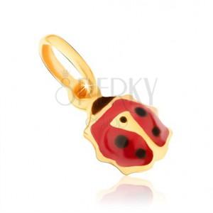 Zlatý přívěsek 375 - maličká glazovaná beruška červenočerné barvy