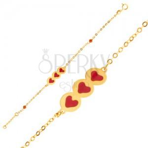 Zlatý náramek 375 - třpytivý řetízek, známka se srdíčky, korálky, email