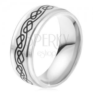 Ocelový prsten - stříbrná obroučka, tenká gravírovaná zvlněná linie, srdce
