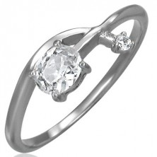 Zásnubní prsten - propletená zirkonová šipka