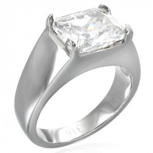 Masivní prsten s obdélníkovým čirým zirkonem