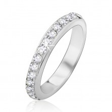 Strieborný prsteň so vsadenými čírymi kamienkami