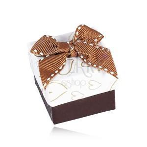 Hnědobílá krabička na šperk, kontury srdcí, prošívaná mašle