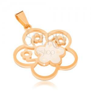 Ocelový přívěsek zlaté barvy, perleťový vyřezávaný květ