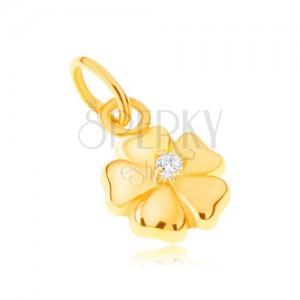 Přívěsek ze žlutého 14K zlata - blyštivý pětilistý květ s kamínkem