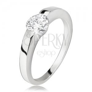Stříbrný prsten, rozšiřující se ramena, okrouhlý čirý zirkon, stříbro 925