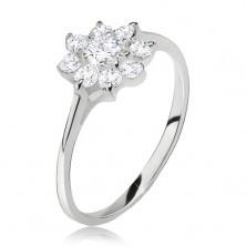 Prsteň zo striebra 925, kvet z čírych brúsených kamienkov