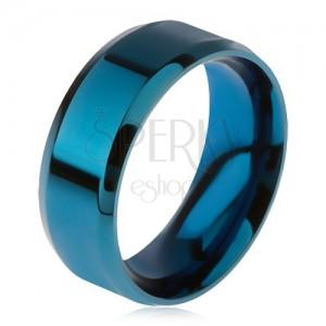 Lesklý ocelový prsten modré barvy, zkosené okraje