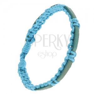 Pletený světle modrý náramek ze šňůrek, modrozelený pás kůže
