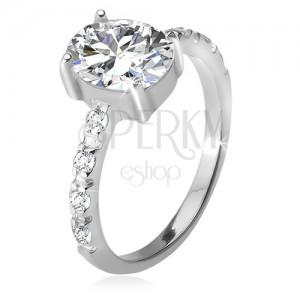 Stříbrný 925 prsten, zirkonová ramena, oválný čirý kamínek