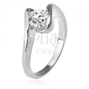 Prsten s čirým zirkonem mezi zahnutými rameny, stříbro 925