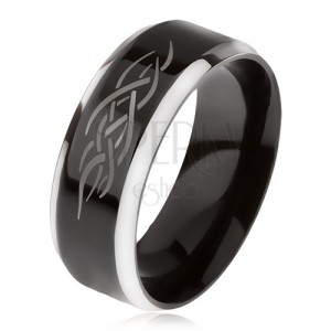 Prsten z oceli, černý středový pás, zkosené hrany, keltský ornament