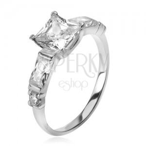 Stříbrný 925 prsten, čtvercový zirkon, čtyři menší kameny v ramenech