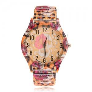 Analogové hodinky z oceli, roztahovací řemínek, leopardí vzor, růže, lebka
