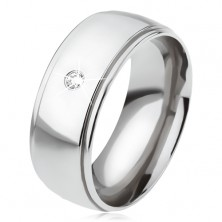 Ocelový prsten s lesklým oblým středovým pásem, čirý zirkon