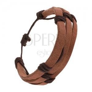 Kávově hnědý kožený náramek - tři proužky převázané tmavě hnědou šňůrkou