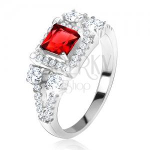 """Prsten ze stříbra 925, červený čtvercový kámen, zirkonové """"V"""""""