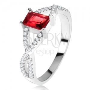 Prsten ze stříbra 925, překřížená zirkonová ramena, hranatý červený kámen
