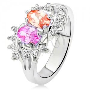 Lesklý prsten stříbrné barvy, dva barevné kamínky, malé čiré zirkony