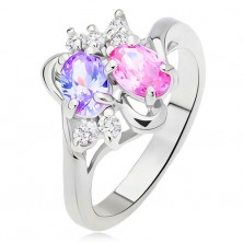 Lesklý prsteň, rozvetvené a zvlnené ramená, farebné a číre kamienky