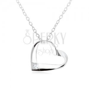 Stříbrný 925 náhrdelník, proužek zatočený do kontury srdce, čirý zirkon
