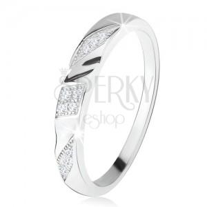 Prsten ze stříbra 925, šikmé gravírované pásy s čirými zirkony