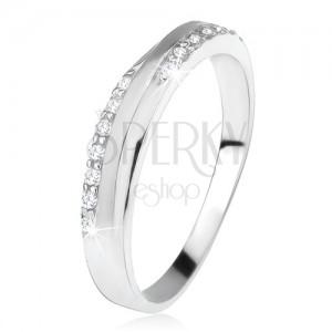 Prsten ze stříbra 925, šikmý matný pás mezi zirkonovými liniemi