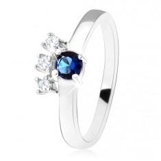 Prsten - stříbro 925, tmavě modrý kulatý zirkon, tři čiré kamínky SP29.09