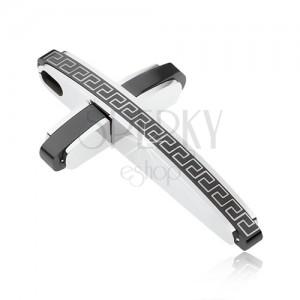 Přívěsek ve tvaru kříže černé a stříbrné barvy z oceli, motiv řeckého klíče