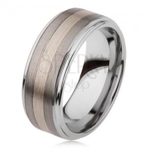 Lesklý prsten z karbidu wolframu s matným povrchem, dvoubarevný proužkovaný motiv
