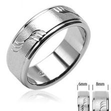 Ocelový snubní prsten matný s vlnkami a lesklými okraji