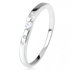 Lesklý prsten s čirými zirkony, zakřivená ramena, ze stříbra 925