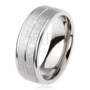 Titanový prsten stříbrné barvy, matný povrch, zářez uprostřed