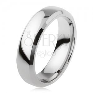 Prsten z titanu, stříbrná barva, lesklý povrch, zbroušené okraje