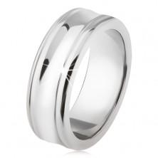 Titanový prsten - stříbrná barva, lesklý, prohloubený střední pás