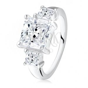 Zásnubní prsten, velký čtvercový zirkon, dva menší na bocích, stříbro 925