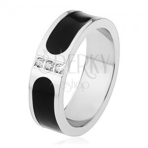 Ocelový prsten, stříbrná barva, černý glazovaný pás, tři čiré zirkony