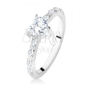 Zásnubní prsten ze stříbra 925, zirkonové srdíčko, zdobená ramena
