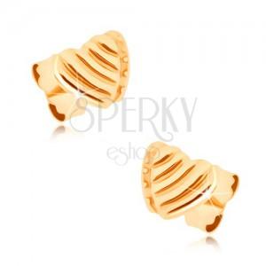 Náušnice ze žlutého 9K zlata - překrývající se dvě souměrná srdce, rýhy