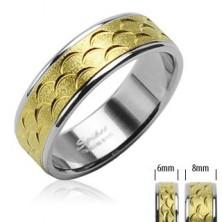 Ocelový prsten - zlatý pruh s výřezy